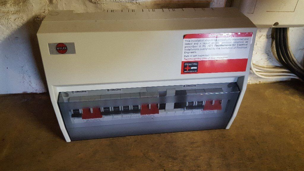 Wylex consumer unit with mcbs fuse box