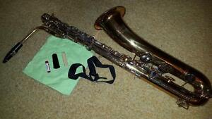 Bundy baritone sax excellent condition