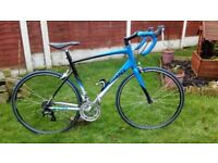 Adult. Alloy. Giant FCR 4. Road/race bike. Like new. Ready to ride.