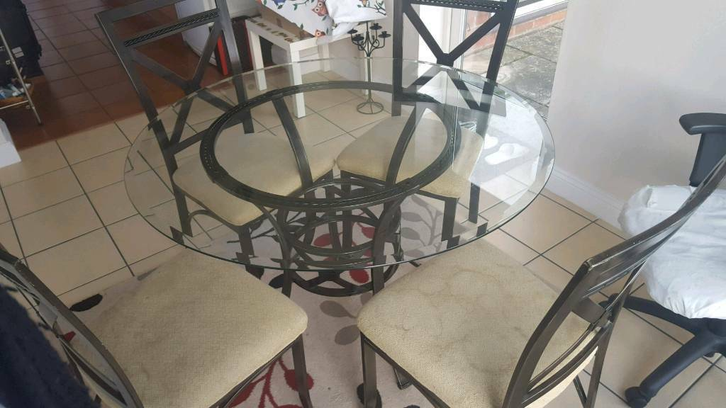 Round Table Lincoln.Round Glass Dining Table W Chairs In Lincoln Lincolnshire Gumtree
