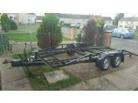 Car transporter trailer with brakes,