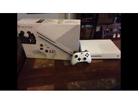 xbox one s, 1 month old, with controller 1TB