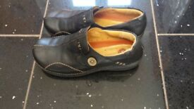 Clarks black shoe