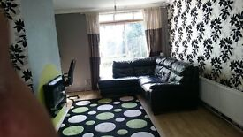SPACIOUS 2 BEDROOM HOUSE IN WANSTED *** CALL NOOR NOW FOR A VIEWING