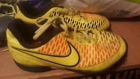 Size 11 kids football boots