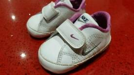 Baby shoes size 0.5