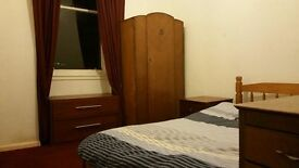 Flatmate Wanted in Glasgow: Two Bedroom Flat in Whiteinch, West End