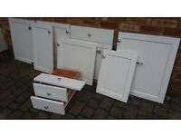 7 VERY GOOD USABLE WHITE HINGED KITCHEN DOORS & 2 DRAWERS & ONE FALSE DOOR FRONT