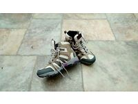 ladies size 5 walking boots as new. worn once.