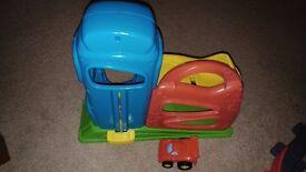 2 cars lift ramp toy