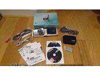 Canon IXUS 800 IS / 6.0 MP Digital Camera Silver Inc Battery,Charger,Case,AV Cable,Interface Cable