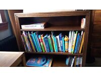 Oak bookcase with regular shelves