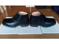 Mens leather boots size 8
