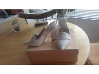 Faith white clover new sling on heels size 6 worn once