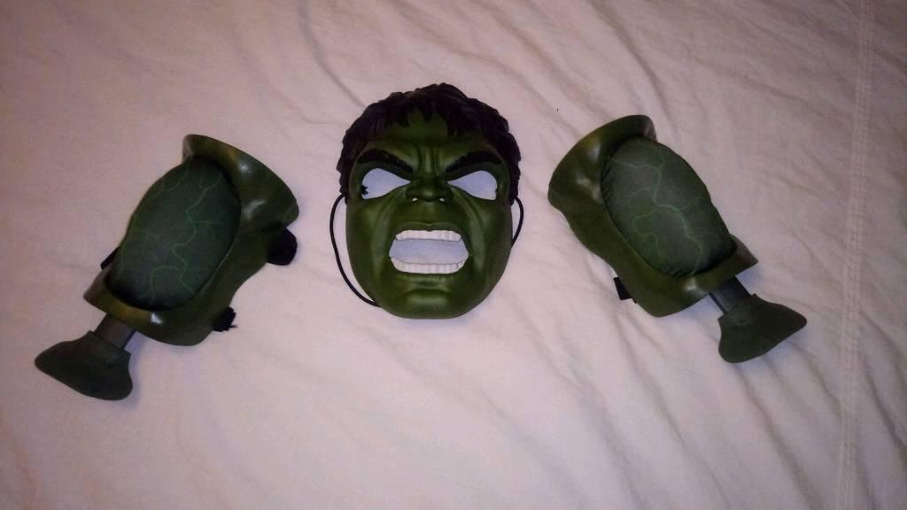 Hulk mask set