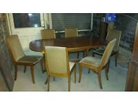 Ideal for Xmas! Table with 6 chairs and leaf