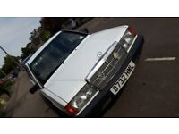 Arctic White Mercedes-Benz 190 2.0 Auto for sale. Only 85,000 miles, 10 months MOT, great condition
