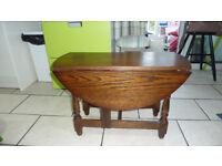 Drop leaf coffee table