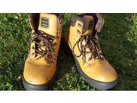 Safety Shoes UK 7.5 SIZE
