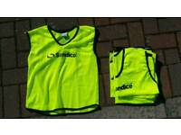 Six as new Sondico sports bibs in Youth size