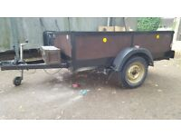 Trailer 7 FT x 4.5 FT Approx