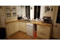 Ikea kitchen cabinets x8, shaker style, cream coloured, good condition