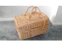 Wicker Hamper Picnic Basket - Large