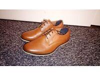 Boys River Island Tan Shoes Size 1