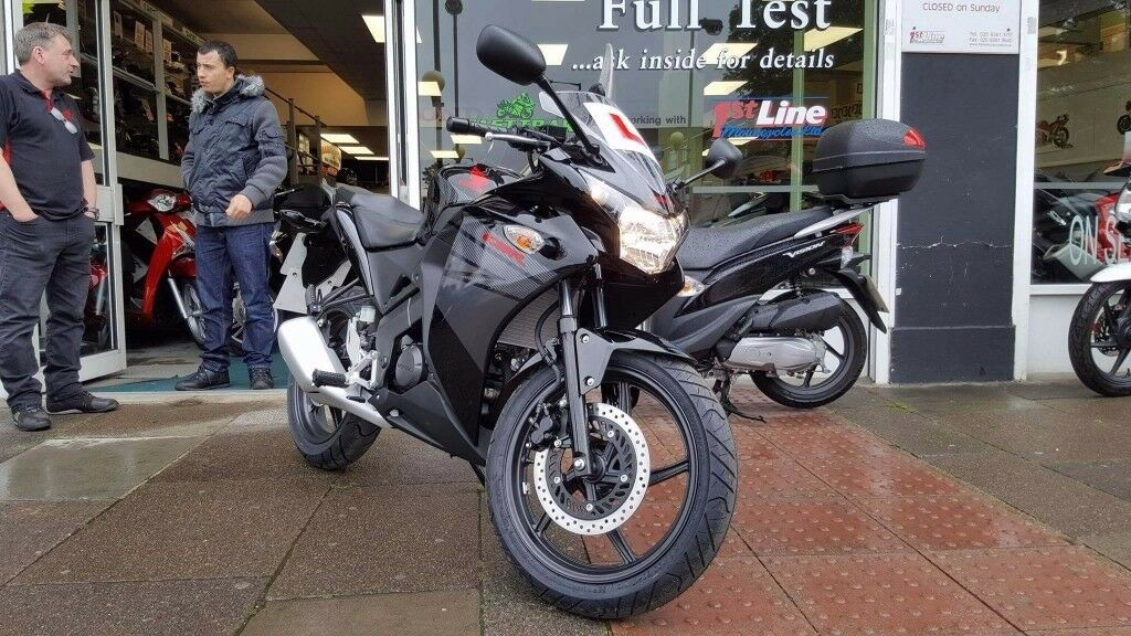 honda cbr 125 only 157 miles honda warranty to in wembley london gumtree. Black Bedroom Furniture Sets. Home Design Ideas