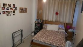 Double bedroom AVAILABLE NOW. Single occupant only, NW10 3TJ.