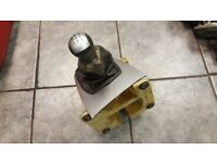 2005 FORD FOCUS CMAX GEAR LEVER STICK ASSEMBLY 5 SPEEDS SILVER TRIM