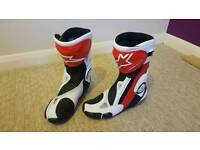 Alpinestars SMX plus motorcycle racing boots red white size 42 UK 8