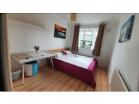 Spacious 1 bedroom flat in Zone 1 (Old Street\Angel), available now