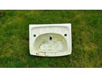 Freebie sink used in garden
