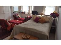 Double ensuite room with living area - Poole Old Town - inc. bills