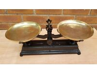 VINTAGE ANTIQUE FRENCH KITCHEN WEIGHING SCALES 5KG