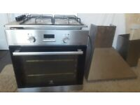 Fully working Electric Oven, Hob,Hood and splashback.