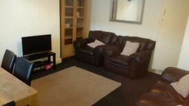 2 bedroom house BD7 near Morrisons/Farmers boy/City Centre