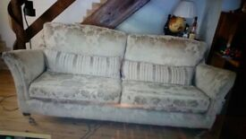 Sofa 3 seater 20 pounds !!!!!!!!