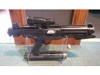 STAR WARS - E-11 BLASTER REPLICA