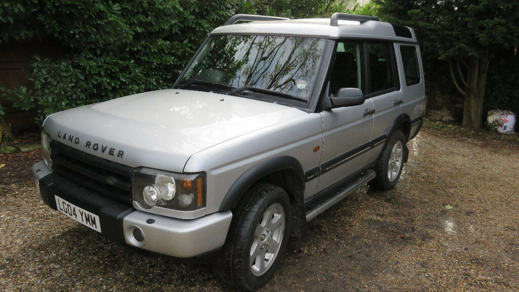 Excellent condition, silver, seven seat, diesel automatic (2495cc), MOT Aug 17