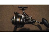 Linea Effe Carp baitrunner reel with 2 extra spools and spool case. Excellent condition.