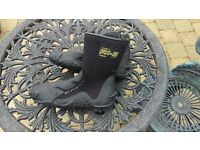 O'NEILL SURF BOOTS 5MM SIZE UK8 USED A FEW TIMES