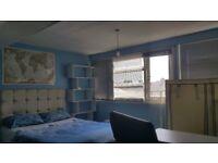 Lovely, loft room in Mitcham near goringe park