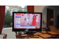 """Samsung 42"""" TV HD Ready with Freeview Excellent Condition"""