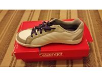 Slazenger Womens Golf shoes Size 7