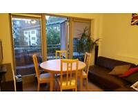 2 bedrooms available in 3 bed flat with balcony