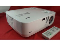 NEC Beamer NP300 / Very Good Condition / 2200 ANSI Lumen