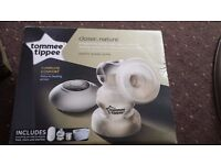 Tommee tippee electric breast pump + four Tommee Tippee bottles