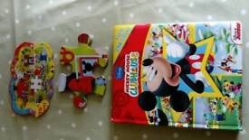 Micky Mouse clubhouse book and puzzle